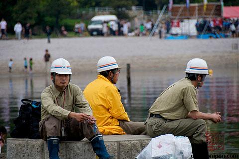 Trabajadores nipones tomándose un descanso