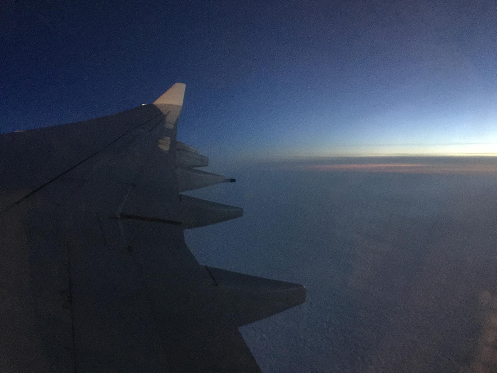 Vuelo de Iberia a Tokio por la noche