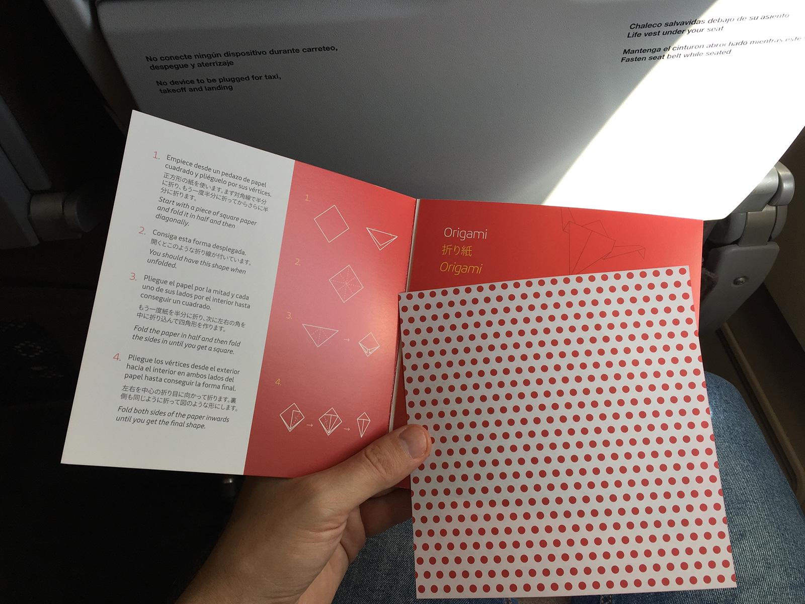 Origami durante el Vuelo directo de Iberia a Tokio