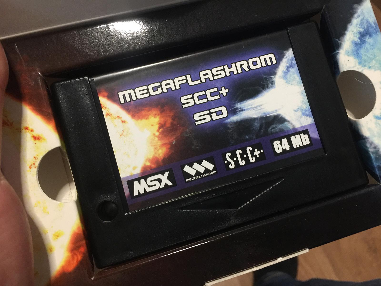 Cartucho MegaFlashRom SCC+ con 512 KB de RAM y un slot para microSD